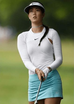 Women's Golf Attire Etiquette
