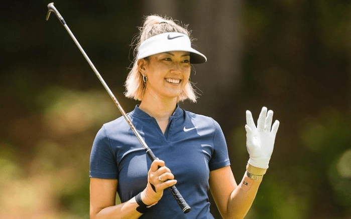 10 Beginner Women's Golf Clubs To Improve Your Game In 2021. 1